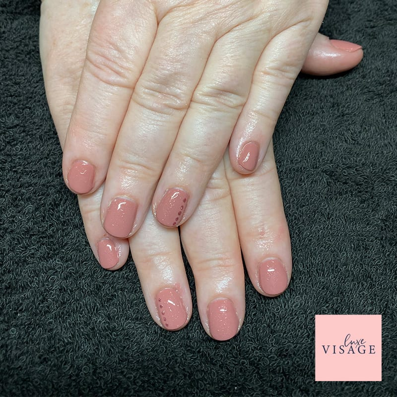 simple_nails_luxe-visage